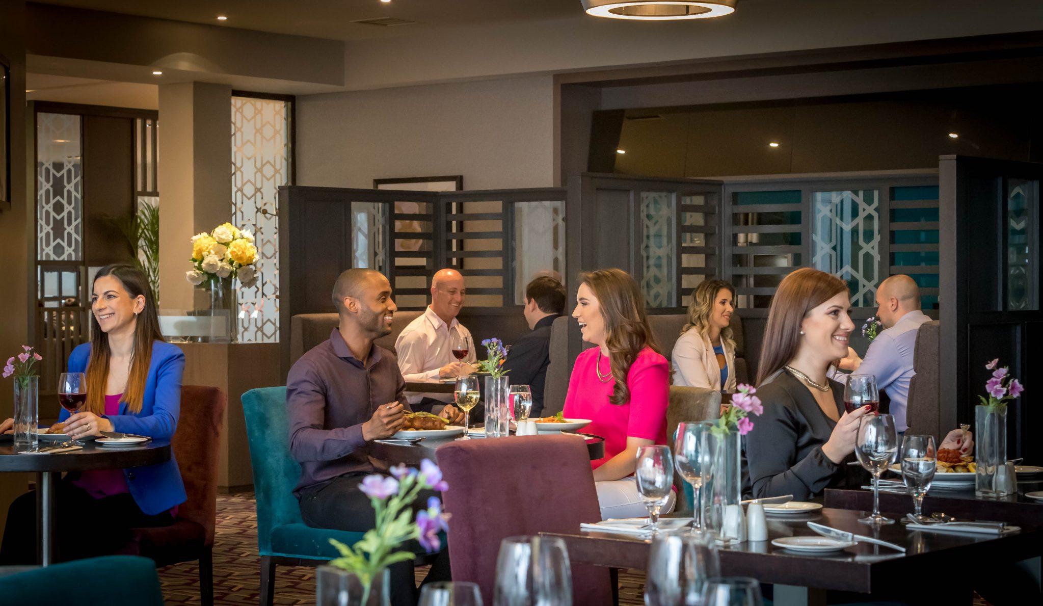enjoy_delicious_dining_in_the_Maldron_Hotel_Dublin_Airport_Apron_Restaurant