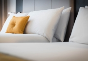 incredibly_comfortable_beds_in_Maldron_Hotel_Dublin_Airport_Standard_Bedroom