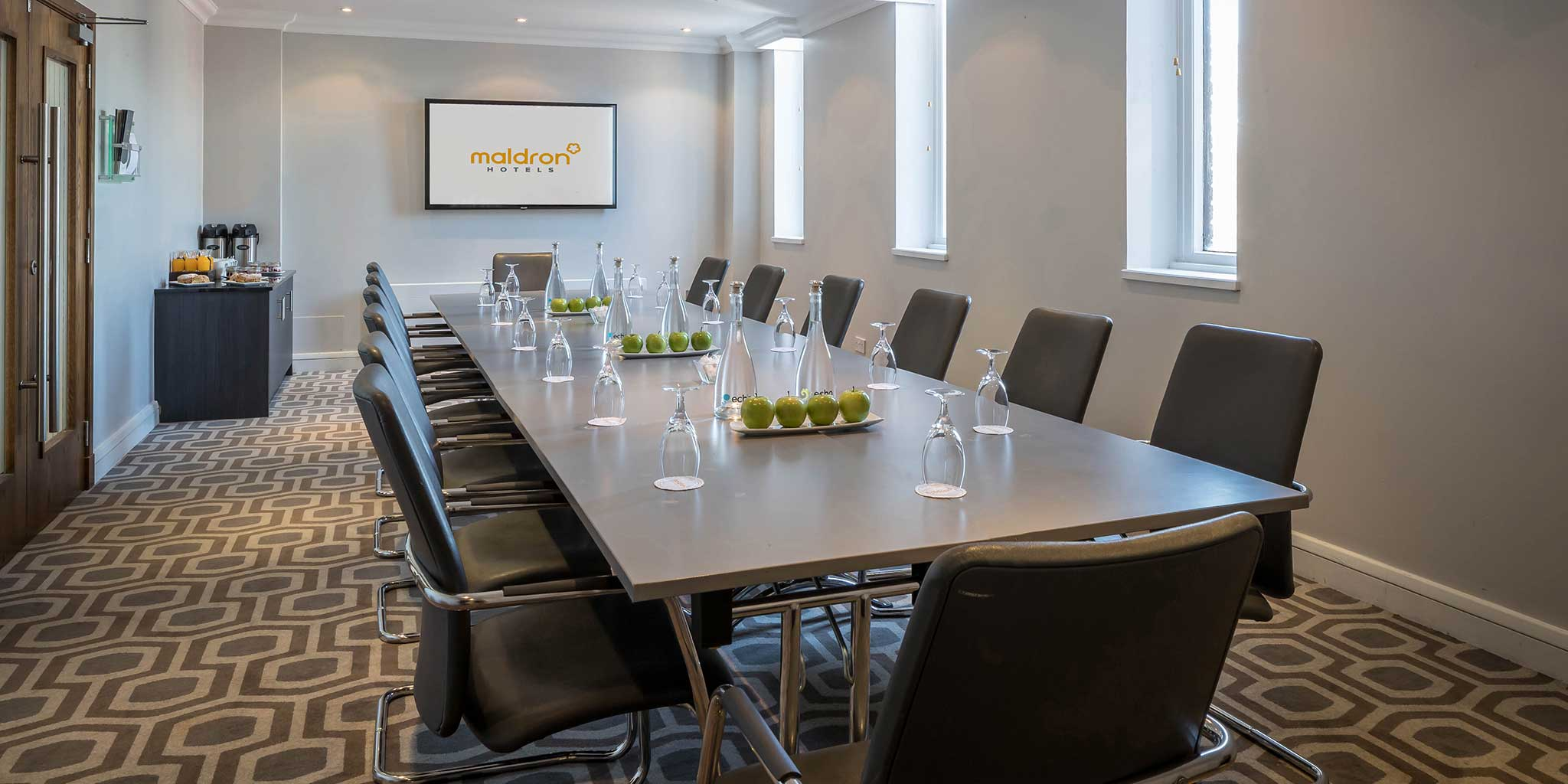 Maldron-Hotel-Dublin-Airport-747-Boardroom-meeting-room